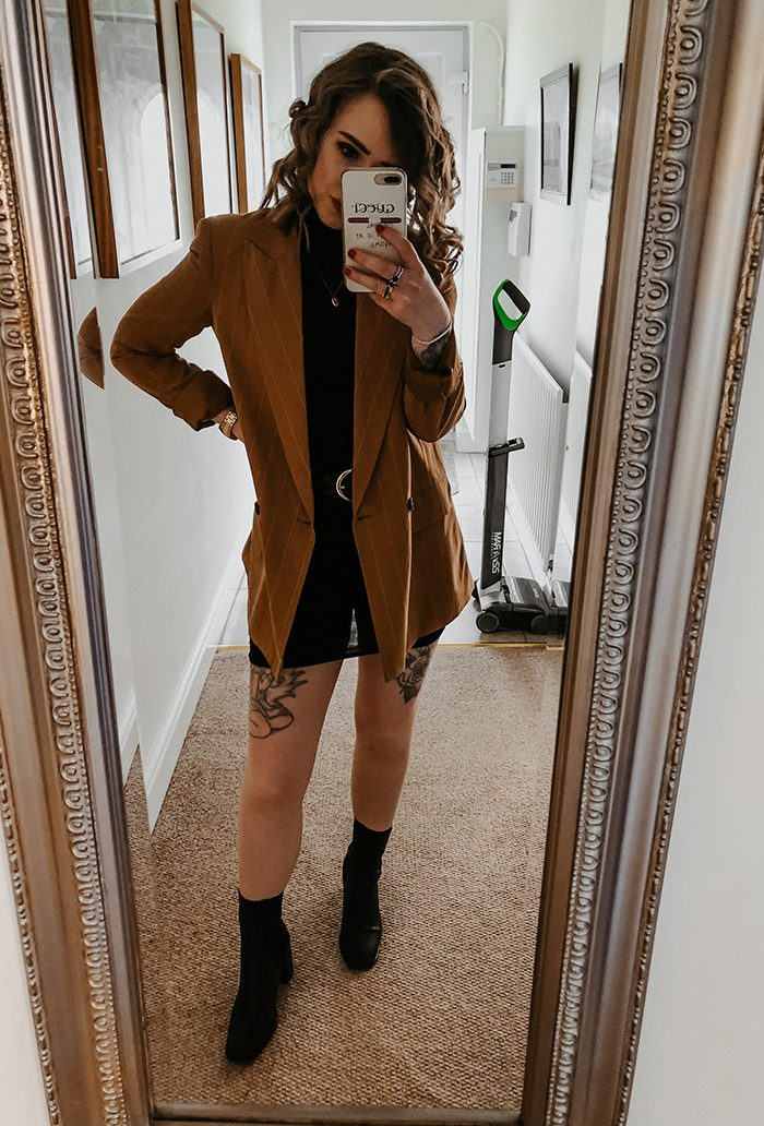 A REALISTIC WEEK IN OUTFITS